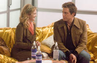 Drew Barrymore and Hugh Grant in