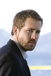 Ryan Reynolds as FBI Agent Richard Messner in