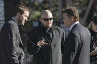 Ryan Reynolds, writer/director Joe Carnahan and Ray Liotta on the set of