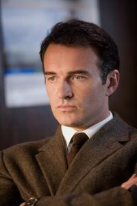Julian McMahon in
