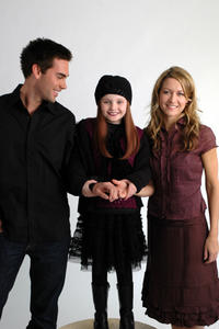 Drew Fuller, Abigail Breslin and Ali Hillis star in