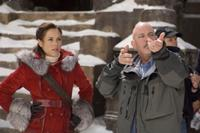 Maria Bello as Evelyn OConnell and Director Rob Cohen on the set of