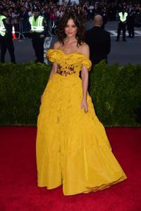 Katie Holmes: Girl Next Door Turned Fashionista   Fandango