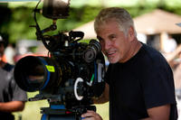 Director Gary Ross on the set.