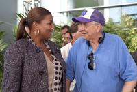 Queen Latifah and Director Garry Marshall on the set of