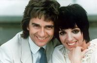 Dudley Moore and Liza Minnelli on the set of the film
