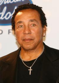 Smokey Robinson at the American Idol Season 6 Finale.