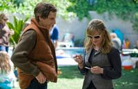 Ben Stiller and Jennifer Jason Leigh in