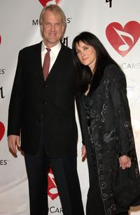 John Tesh and Connie Sellecca at the 2006 MusiCares Person of the Year honoring James Taylor.