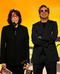 Lily Tomlin and Robert Downey Jr. at the 22nd Annual Film Independent Spirit Awards, announce the Robert Altman Award.