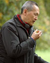 Director Wayne Wang on the set of