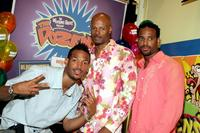 Keenan Ivory Wayans, Marlon Wayans and Shawn Wayans at Blockbuster to promote their new game