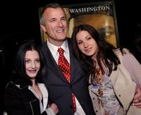 Nick Cassavetes with his daughters Sasha and Gina at the premiere of