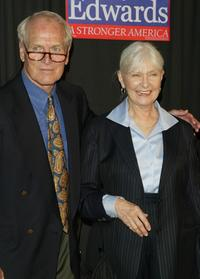 Joanne Woodward and Paul Newman at the John Kerry and John Edwards 2004 Victory Concert.