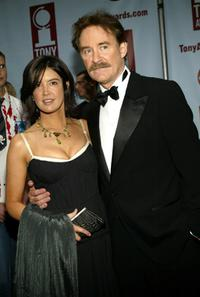 Phoebe Cates and her husband Kevin Kline at the