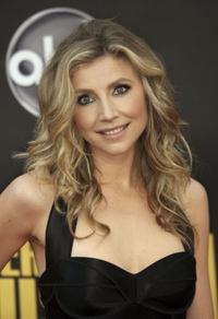 Sarah Chalke at the 2008 American Music Awards.