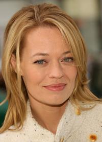 Jeri Ryan at the premiere of