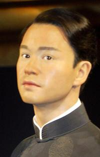 Leslie Cheung at the Madame Tussaud Waxworks in Hong Kong.