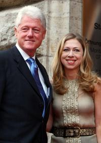 Bill Clinton and Chelsea Clinton at the BILD OSGAR Awards.