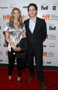 Lisa Kudrow and Scott Cohen at the screening of