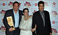 Rishi Kapoor, Shobha Kapoor and Jitendra at the Big Star Entertainment Awards ceremony in Mumbai.