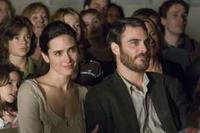 Jennifer Connelly and Joaquin Phoenix in