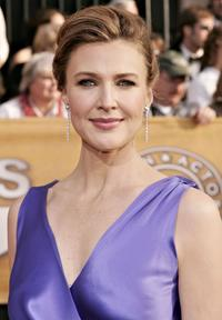 Brenda Strong at the 12th Annual Screen Actors Guild Awards.