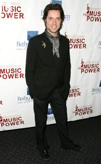 Rufus Wainwright at the 2004 Music Has Power Awards.