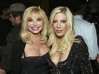 Loni Anderson and Tori Spelling at the VH1