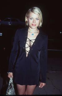 Amanda de Cadenet at the premiere of