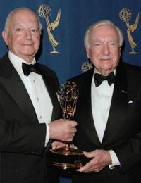 Ralph Baruch and Walter Cronkite at the 27th Annual International Emmys.