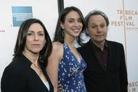 Janice Crystal, Lindsay Crystal and Billy Crystal at the premiere of