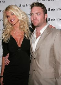 Victoria Silvstedt and Larry Bagby III at the premiere of