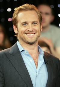 Josh Lucas at the MTV's Total Request Live.