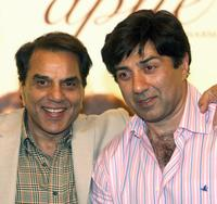 Dharmendra and Sunny Deol at the promotion of