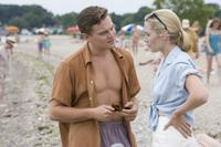 Leonardo DiCaprio as Frank Wheeler and Kate Winslet as April Wheeler in