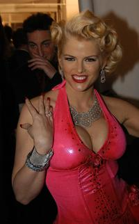 Anna Nicole Smith at the Heatherette fashion show.