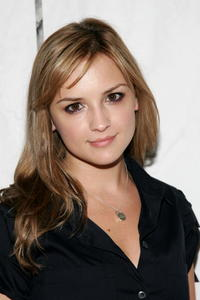 Rachael Leigh Cook at the premiere of