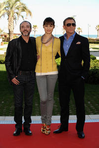 Fernando Guillen-Cuervo, Olga Kurylenko and Daniel Craig at the photocall of