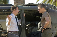 Greg Kinnear and Matt Damon in