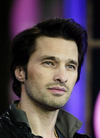 Olivier Martinez at the MTV's Total Request Live.