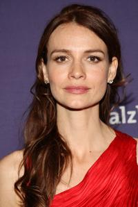 Saffron Burrows at the Alzheimer's Association's 16th Annual