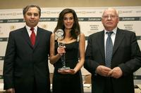Georg Kindel, Teri Hatcher and Mikhail Gorbachev at the Women's World Awards media conference.