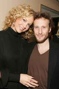 Jenna Elfman and Bodhi Elfman at the 2006 American Music Awards.