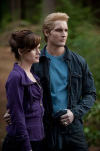 Elizabeth Reaser and Peter Facinelli in