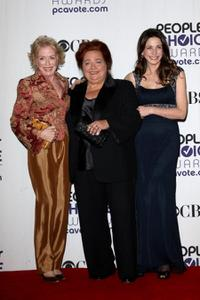 Holland Taylor, Conchata Ferrell and Marin Hinkle at the 35th Annual People's Choice Awards.