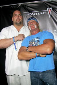 Big Show and Hulk Hogan at the MarketAmerica.com Super XLI party.