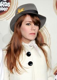Jenny Lewis at the 2007 mtvU Woodie Awards.