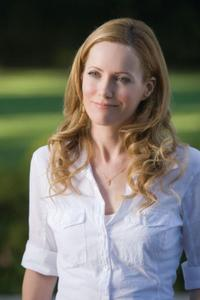 Leslie Mann as Laura in