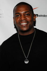 Mekhi Phifer at the Verizon Wireless